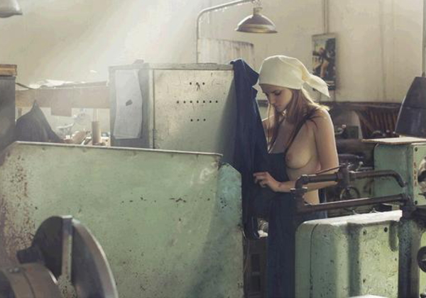 (マジキチ)ベラルーシ大統領(独裁)「国民は裸で仕事しなさい」→ま~ん受けて素っ裸で仕事するwwwwwwwwwwwwwwwwwwwwwwwwwwwwww(写真あり)