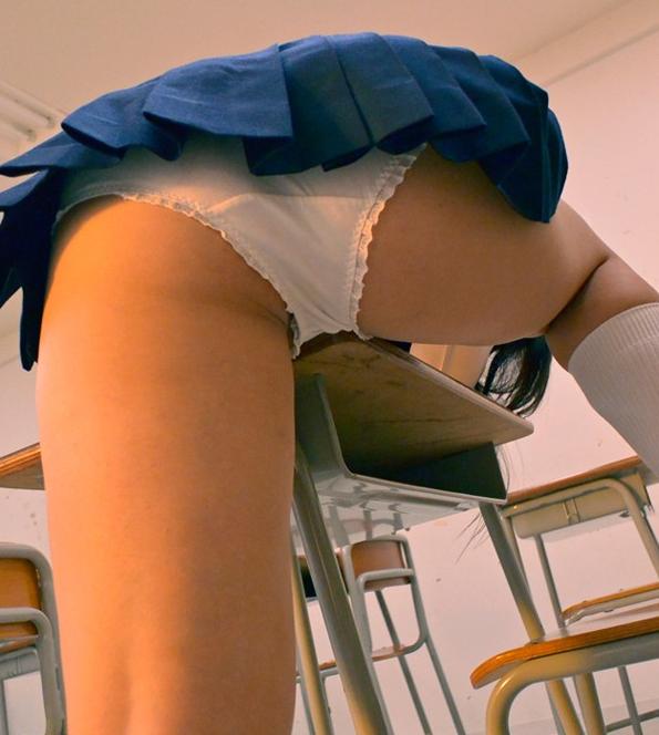 JKがムラムラした時の校内での性欲処理方法が・・・やっぱりコレだったwwwwwwwwwwwwwwwwwww(画像あり)・5枚目