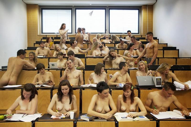 【マジキチ】強制全裸な海外の高校の様子をご覧下さいwwwwwwwwwwwwwwwwwwwwwwwwwwwwwwww(画像あり)・16枚目