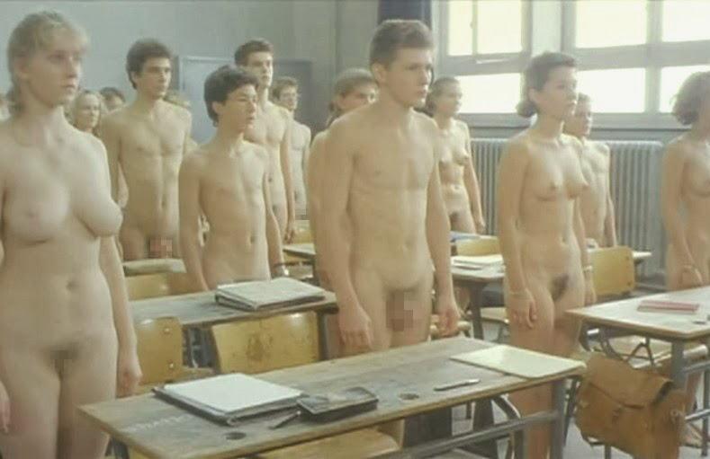 【マジキチ】強制全裸な海外の高校の様子をご覧下さいwwwwwwwwwwwwwwwwwwwwwwwwwwwwwwww(画像あり)・3枚目
