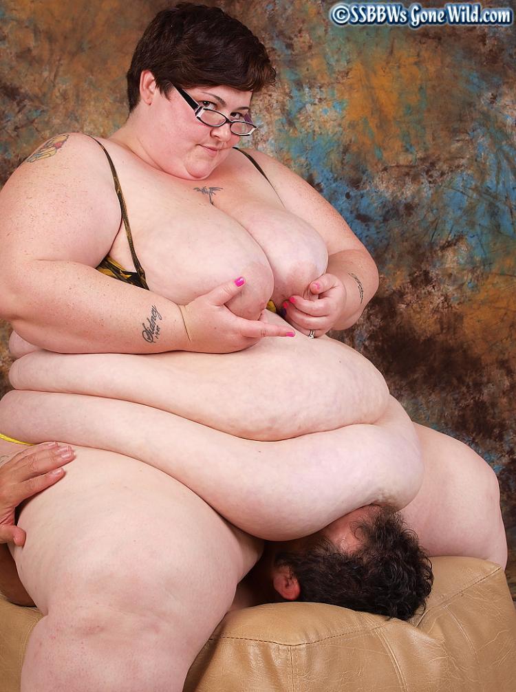 【閲覧注意】肥満女性による拷問方法ヤバすぎワロタwwwwwwwwwwwwwwwwwwwwwwwwwwwwww(画像あり)・7枚目