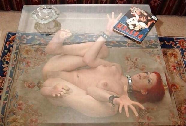 (ぐぅ畜)性奴隷女の最期の使われ方が「テーブル」だった件wwwwwwwwwwwwwwwwwwwwwwwwwwwwwwwwwwwwwwwwwwwwww(写真あり)