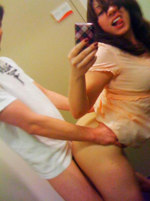 【嫉妬乙】おまえら鏡越しにでハメ撮りしてるバカップルをいつも馬鹿にしてるけど、実際うらやましいんだろ?(画像あり)・10枚目