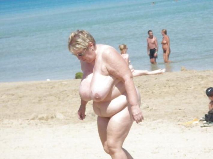 【嘲笑】暇だしヌーディストビーチにいたデブ女の画像でも貼って嘲笑おうぜwwwwwwwwwwwwwwwwww(画像あり)・12枚目
