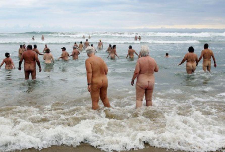 【嘲笑】暇だしヌーディストビーチにいたデブ女の画像でも貼って嘲笑おうぜwwwwwwwwwwwwwwwwww(画像あり)・16枚目