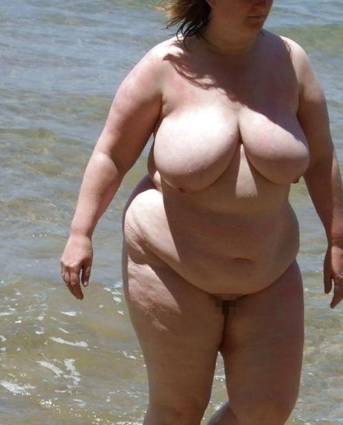 【嘲笑】暇だしヌーディストビーチにいたデブ女の画像でも貼って嘲笑おうぜwwwwwwwwwwwwwwwwww(画像あり)・18枚目