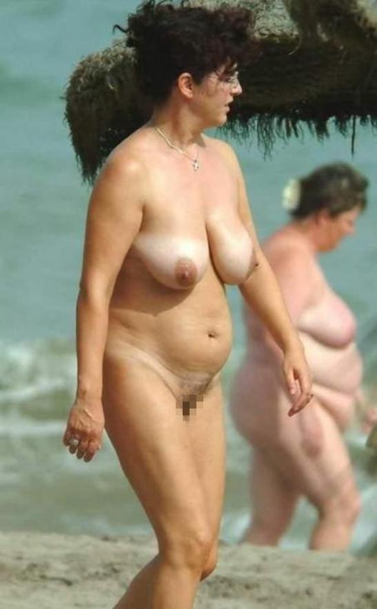 【嘲笑】暇だしヌーディストビーチにいたデブ女の画像でも貼って嘲笑おうぜwwwwwwwwwwwwwwwwww(画像あり)・9枚目