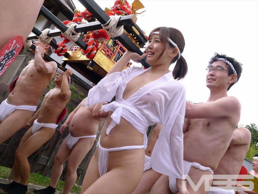 【ワッショイ!】日本のエロ文化、祭りでのふんどし女子をご覧下さいwwwwwwwwwwwwwwwwwwwwww・5枚目