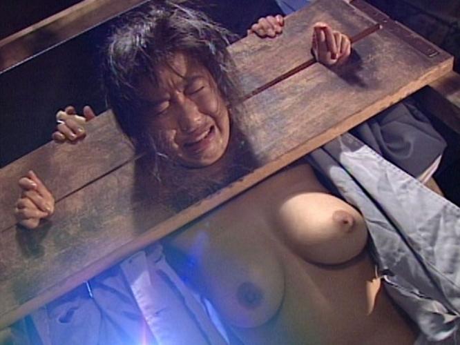 【衝撃】女刑務所内でのイジメの様子をご覧下さい。。。(画像あり)・25枚目