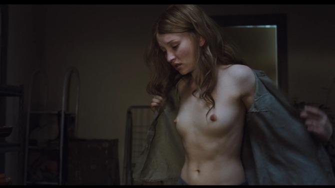 【朗報】クッソエロい映画見つけたったwwwww「ある意味AV以上」「女優若すぎない?」(画像あり)・35枚目