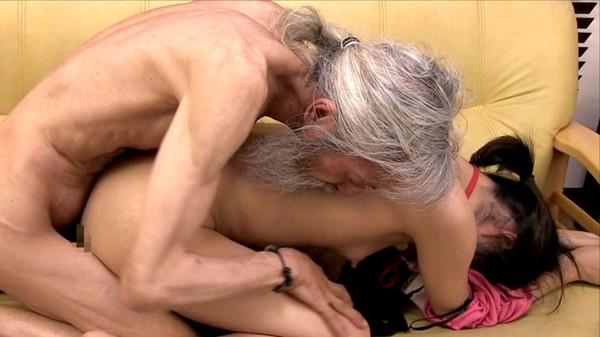 (冥土の土産)ジジイが死にそうになりながらセックスしてる写真を貼ってく。