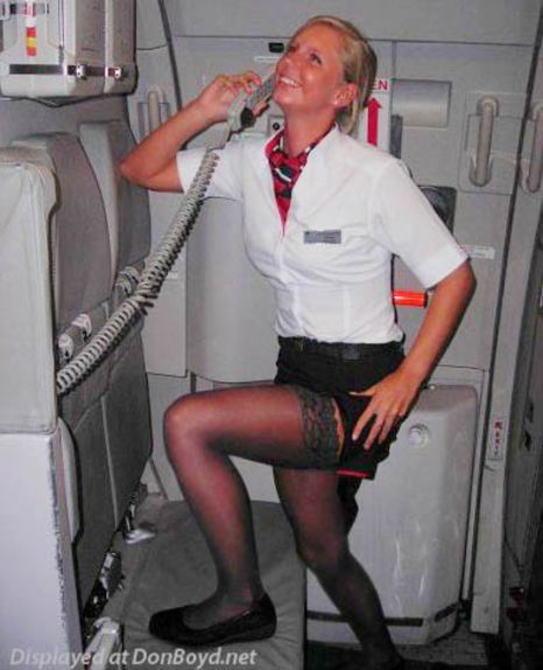 搭乗前のキャビンアテンダントのエロノリ、カオスすぎワロタwwwwwwwwwwwwwwwwwwwwww(画像あり)・7枚目