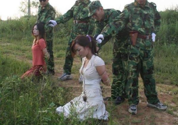 (閲覧注意)中国田舎の極刑の様子、、、余りにもひどい。 こんなに流れ作業で殺すんか。。。(写真24枚)
