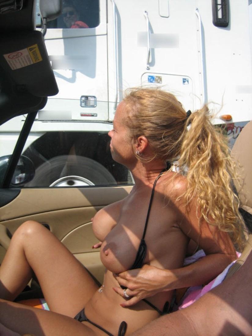 【事故多発】走行中に露出して横を走るトラックのドライバーに見せつけた結果wwwwwwwwwwww(画像あり)・21枚目