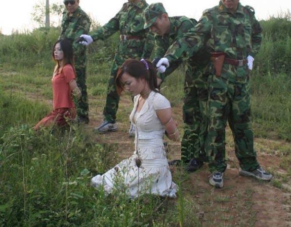 【閲覧注意】中国田舎の極刑の様子、、、余りにもひどい。 こんなに流れ作業で殺すんか。。。(画像24枚)・19枚目