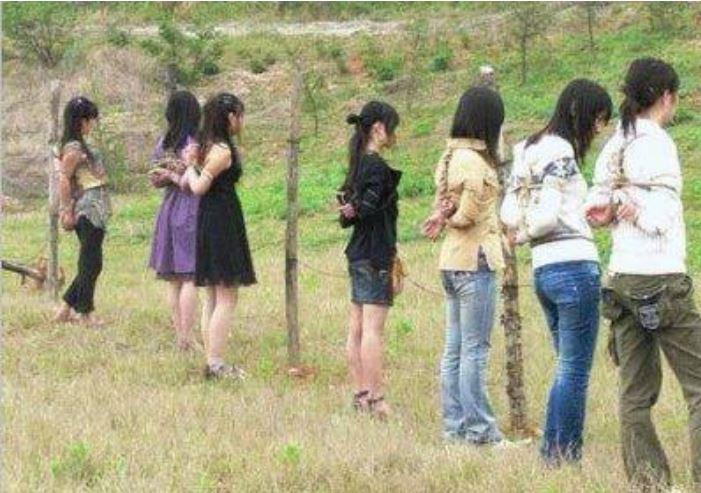 【閲覧注意】中国田舎の極刑の様子、、、余りにもひどい。 こんなに流れ作業で殺すんか。。。(画像24枚)・4枚目