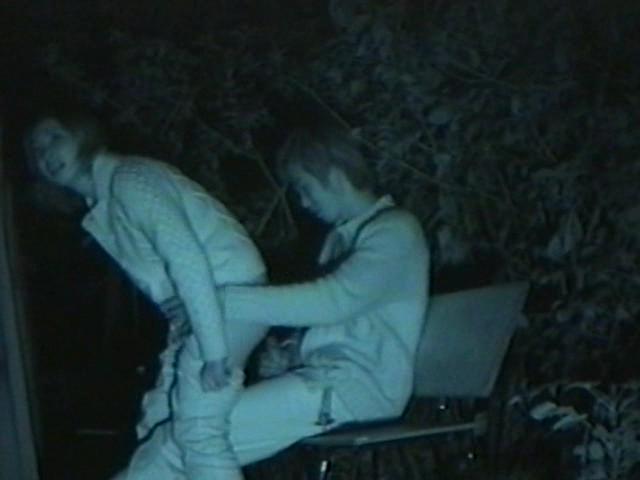 【盗撮有段者】深夜の公園に赤外線カメラをしかけてみた結果wwwwwwwwwwwwwwwwwwwwwww・4枚目