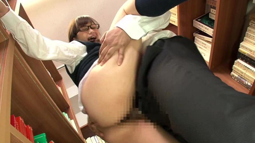 【悲報】図書館でレイプされる女子高生が急増中wwwwwwwwwwwwwwwwwwwwwwww(画像あり)・5枚目