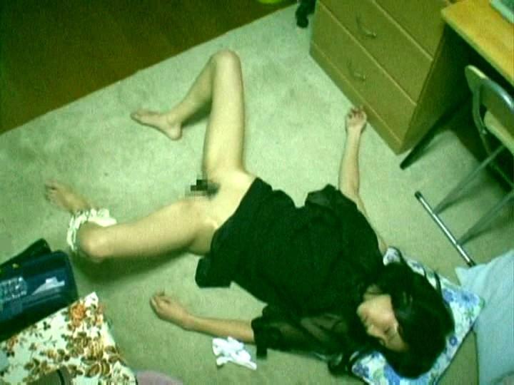 【夜這い】眠って無抵抗の女をヤルの楽しすぎワロタwwwwwwwwwwwwwwwwwwwwwwww(画像あり)・6枚目