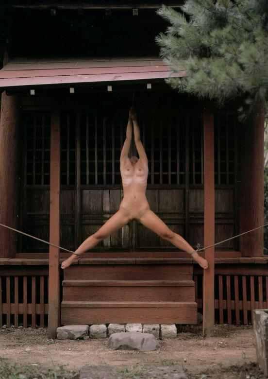 【胸糞】性奴隷として売られた日本人女性をご覧下さい。。。(画像あり)・6枚目
