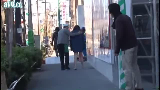 【特定!】フ○ッシュ○ッチン蒲田店、全裸羞恥痴漢のAV撮影をしていたwwwwwwwwwwwwwwwwwwww(画像あり)・7枚目