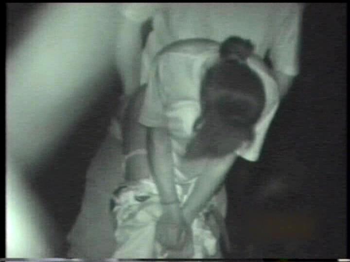 【盗撮有段者】深夜の公園に赤外線カメラをしかけてみた結果wwwwwwwwwwwwwwwwwwwwwww・7枚目