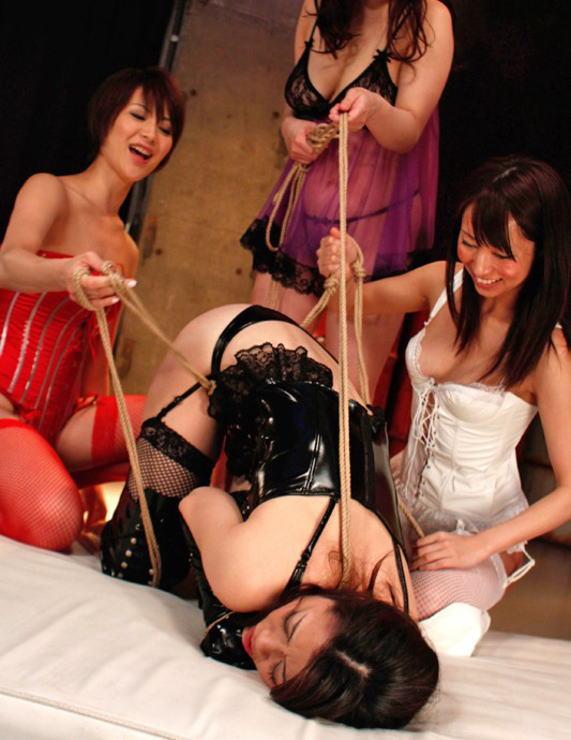 【閲覧注意】女同士の性的イジメの現場画像がドン引き・・・(画像あり)・9枚目