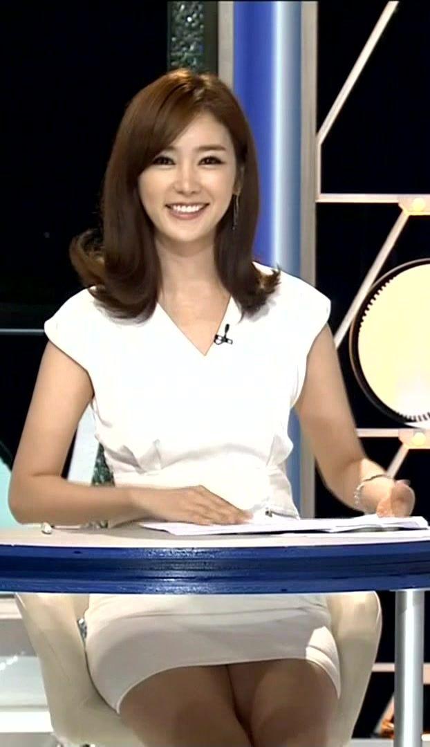 韓国の女性キャスター、ミニスカを強要されるらしい・・・・(画像あり)・1枚目