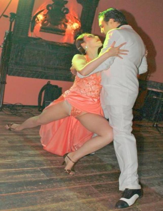 【ハプニング具】社交ダンスとかいう意外とマンポロが多い競技wwwwwwwwwwwwwwwwww(画像あり)・1枚目