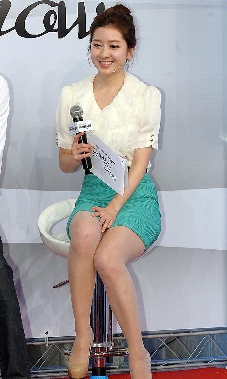 韓国の女性キャスター、ミニスカを強要されるらしい・・・・(画像あり)・11枚目