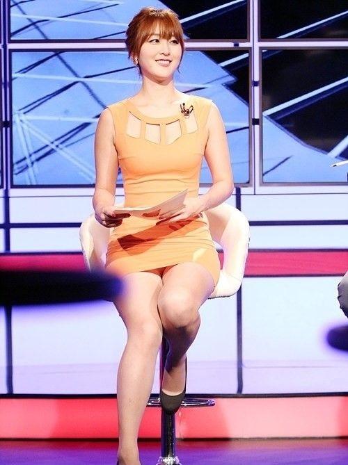 韓国の女性キャスター、ミニスカを強要されるらしい・・・・(画像あり)・14枚目