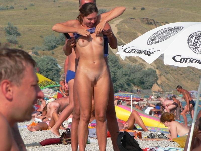 【ビッチあるある】ビーチで大胆に着替える女は絶対ヤリマン説wwwwwwwwwwwwwwwwwwwwww(画像あり)・15枚目