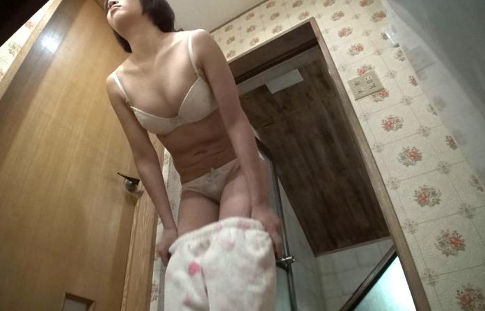 【衝撃】家の脱衣所にカメラを仕掛けた結果wwwwwwwwwwwwwwwwwwwwwwwwwwww(画像あり)・17枚目
