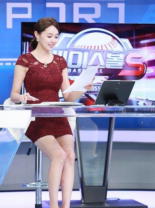 韓国の女性キャスター、ミニスカを強要されるらしい・・・・(画像あり)・2枚目
