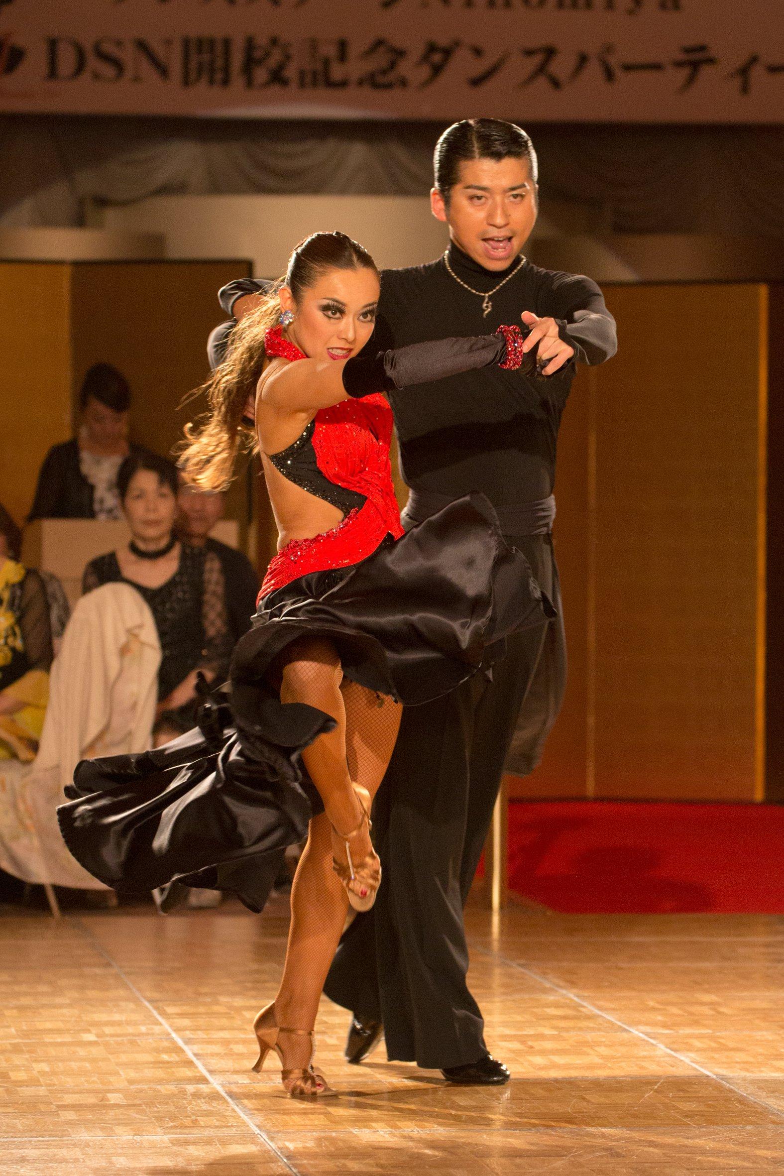【ハプニング具】社交ダンスとかいう意外とマンポロが多い競技wwwwwwwwwwwwwwwwww(画像あり)・2枚目