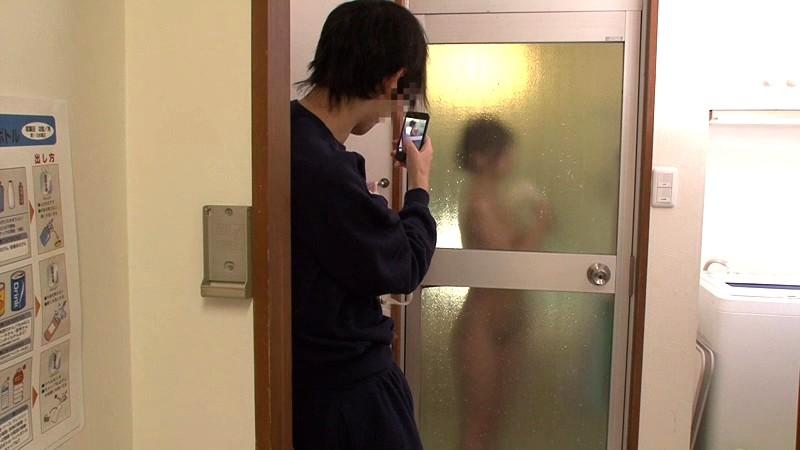 【衝撃】家の脱衣所にカメラを仕掛けた結果wwwwwwwwwwwwwwwwwwwwwwwwwwww(画像あり)・21枚目