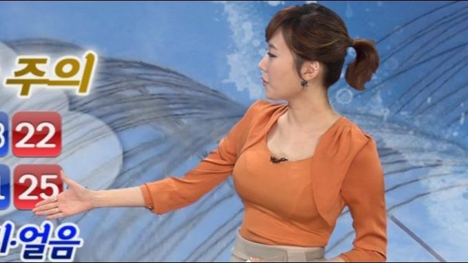 韓国の女性キャスター、ミニスカを強要されるらしい・・・・(画像あり)・21枚目