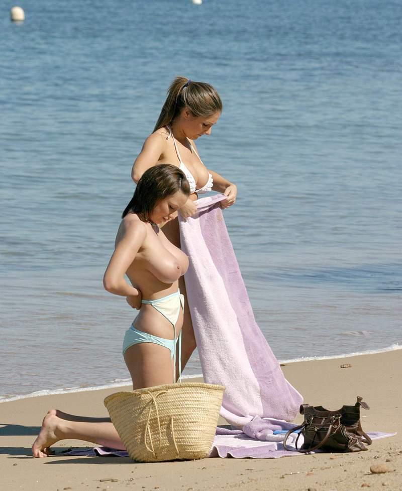【ビッチあるある】ビーチで大胆に着替える女は絶対ヤリマン説wwwwwwwwwwwwwwwwwwwwww(画像あり)・24枚目