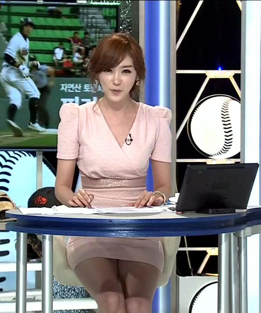 韓国の女性キャスター、ミニスカを強要されるらしい・・・・(画像あり)・4枚目