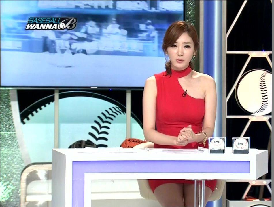 韓国の女性キャスター、ミニスカを強要されるらしい・・・・(画像あり)・8枚目