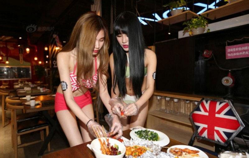 【マジキチ】ビール片手にシコシコwww 中国のセクシー居酒屋が有能すぎワロタwwwwwwwwwwwwwwwwwwwwww(画像あり)・9枚目