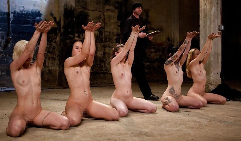 【閲覧注意】裏で売買取引されている世界のメス奴隷達をご覧下さい。。。(画像あり)・19枚目