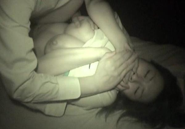 【画像】ホンモノが混ざってそうな輪姦画像貼ってく・・・怖すぎて引いた。。。・21枚目