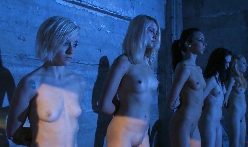【閲覧注意】裏で売買取引されている世界のメス奴隷達をご覧下さい。。。(画像あり)・23枚目