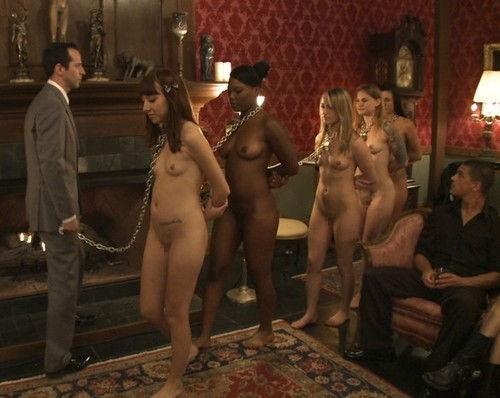 【閲覧注意】裏で売買取引されている世界のメス奴隷達をご覧下さい。。。(画像あり)・7枚目