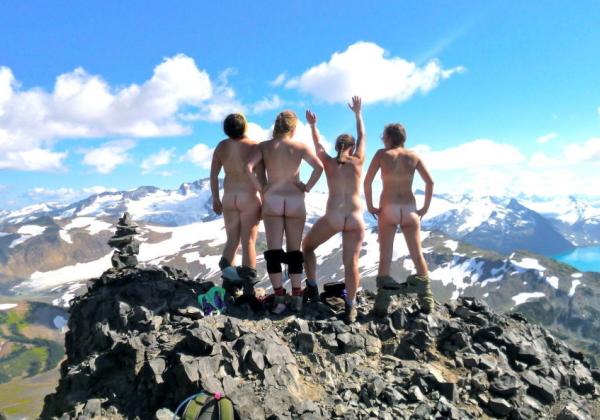 (衝撃)登 山 で 山 頂 に 着 い た ら と ん で も な い モ ノ に 遭 遇 し た。。。(写真あり)