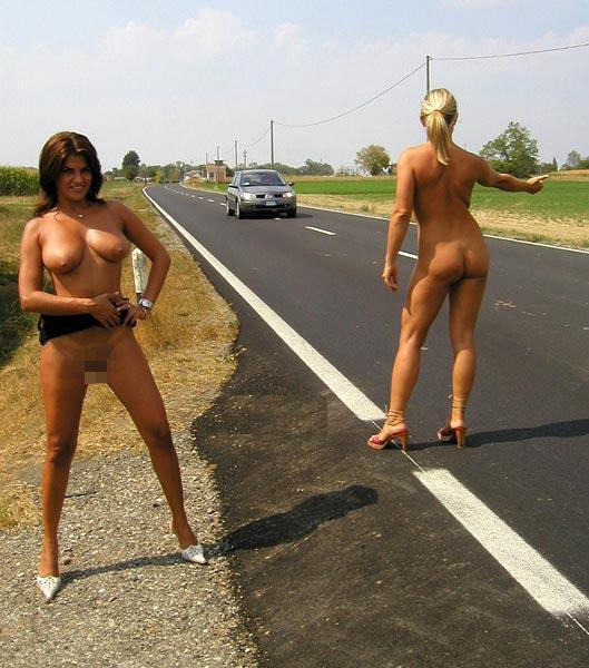 【急ブレーキ不可避】「へェ―イ!」海外で絶対に止まってくれるヒッチハイクの方法がコレwwwwwwwwwwwww(画像あり)・10枚目