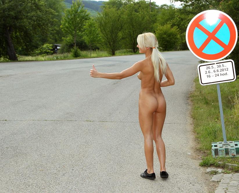 【急ブレーキ不可避】「へェ―イ!」海外で絶対に止まってくれるヒッチハイクの方法がコレwwwwwwwwwwwww(画像あり)・12枚目