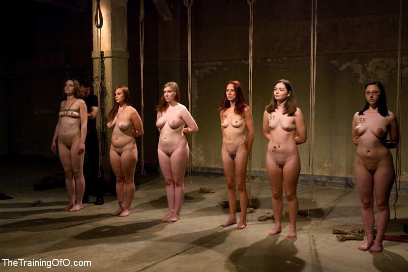 【ガチ胸糞注意】「性奴隷」として競売にかけられる女たちの光景マジでキツ杉・・・(画像あり)・14枚目