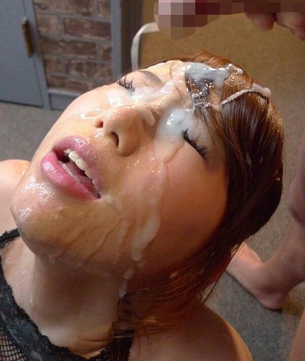 【窒息注意】多精子症の男が顔射した時のまんさんの顔、怖杉事案。これもう難病指定でええやろ。(画像あり)・17枚目